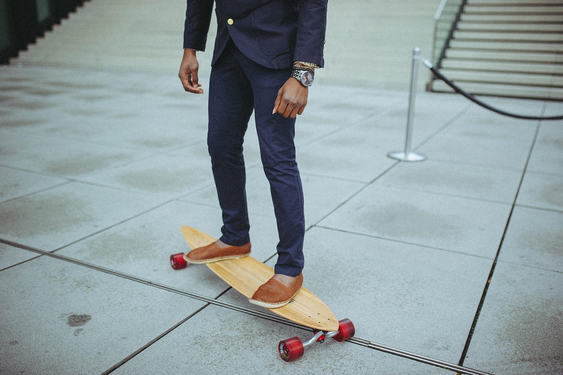 Anzug vs. Longboard