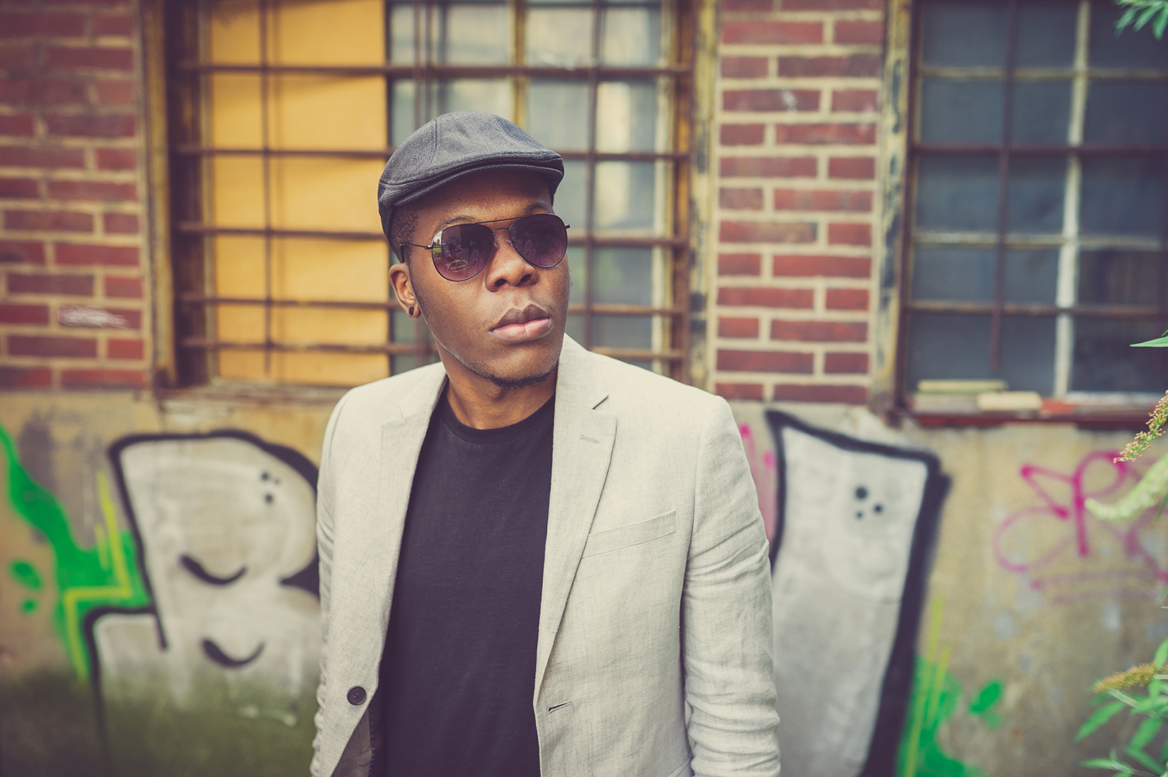 Billy im Jay-Z Look