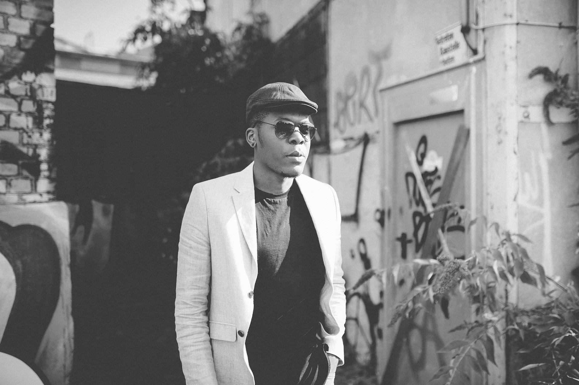 Billy im Jay-Z Look - schwas-weiß
